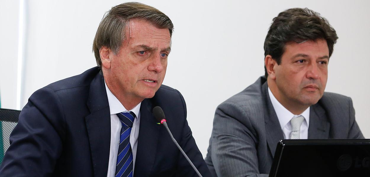 bolsonaro e mandetta - 'Vai matar o pessoal de fome', afirma Bolsonaro em discussão com Mandetta