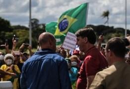 SEM LIMITES: Bolsonaro quebra isolamento e vai para manifestação em que defende o golpe militar
