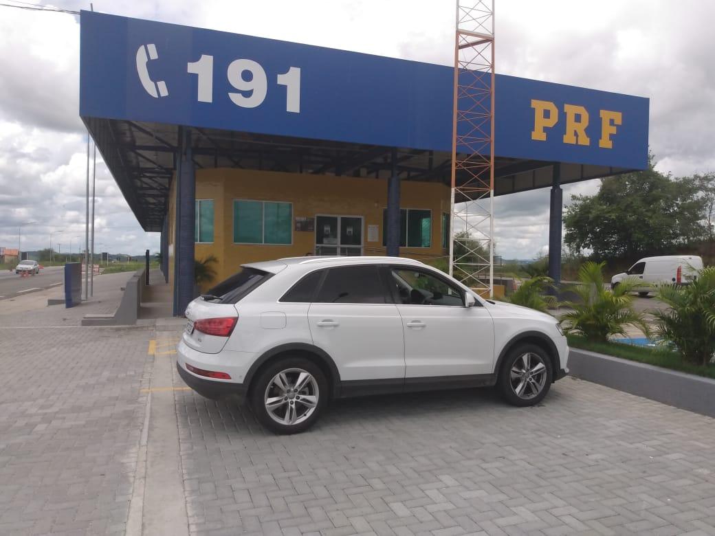 carro 2 - PRF recupera veículo de luxo avaliado em mais de R$ 130 mil