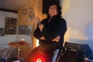 edmundo elvis 300x200 - ÍCONE DA BOEMIA UNIVERSITÁRIA: morre em João Pessoa, Edmundo Ferreira, dono do Bar do Elvis