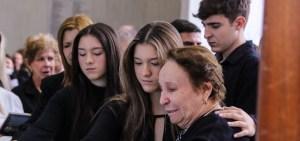 familia liberato 300x141 - Batalha por herança deixada por Gugu Liberato atinge psicológico dos filhos do apresentador