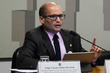 felipecascaes - Assessor pede demissão após Bolsonaro determinar volta do trabalho presencial no Planalto