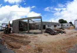 Hospital de campanha para pacientes com coronavírus começa a ser construído em Campina Grande