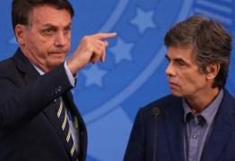 'Minha visão é a da economia', afirma Bolsonaro durante posse do novo ministro da Saúde