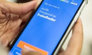 lancamento do aplicativo caixa auxilio emergencial 0407201845 300x179 - Caixa paga hoje auxílio emergencial a 3,6 milhões de beneficiários