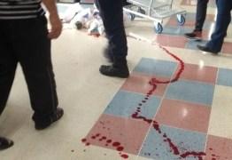 TUMULTO: Funcionária de supermercado morre baleada em confusão por uso de máscara; VEJA VÍDEO