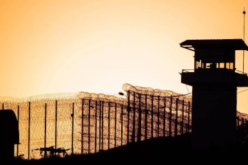 prisao 1582845292821 v2 900x506 - CORONAVÍRUS: No pior cenário, 10 mil presos podem precisar de UTI no Brasil