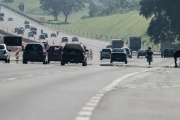 rodovias 1 - Produção nacional de automóveis teve queda de 21,8% em março