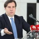 """rodrigo maia - """"Bolsonaro não tem coragem de demitir Mandetta"""", diz Rodrigo Maia"""