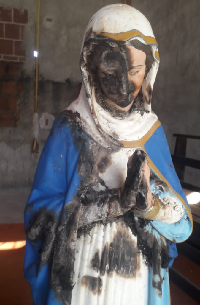 santa amaraji 1  - Capela é alvo de vandalismo e imagem de Nossa Senhora da Conceição é queimada