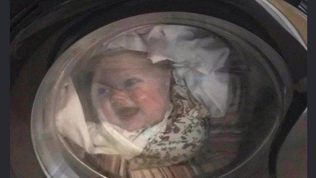 xblog baby shirt.jpg.pagespeed.ic .iHY2XT3Gim - Homem entra em desespero ao perceber que a 'filha' estava dentro de máquina de lavar