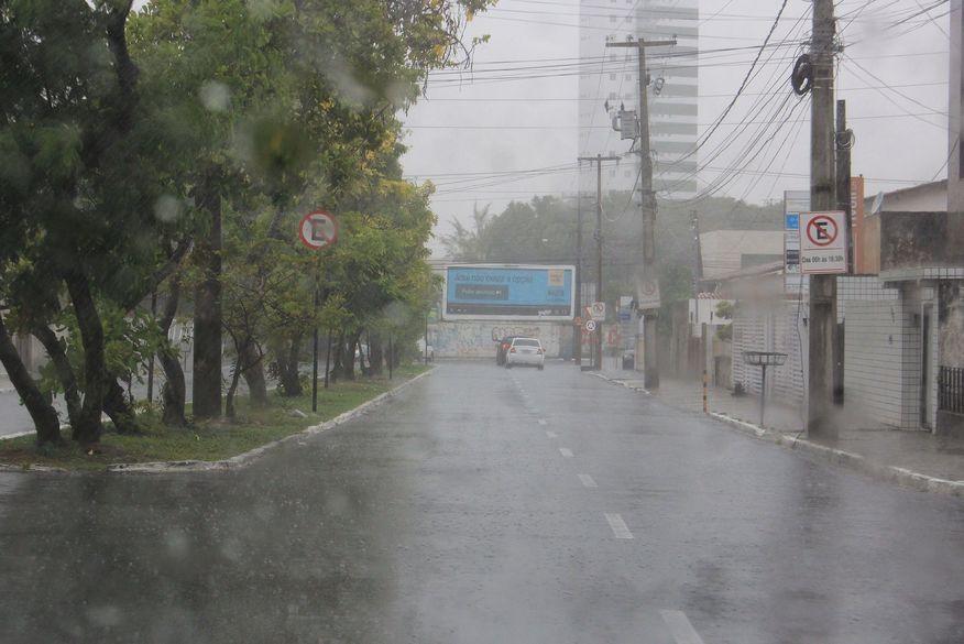 01 chuvas em joao pessoa walla santos - ALERTA DO INMET: João Pessoa e mais 16 cidades estão em alerta vermelho para perigos de chuvas, na Paraíba