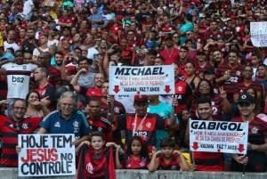 1 dani7794 16113297 300x201 - Jornal abre votação popular para escolher melhor torcida do mundo; Flamengo na briga