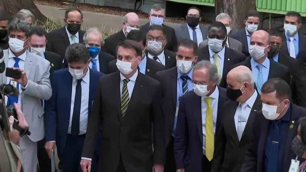 8537404 x720 1024x576 - PRESSIONANDO TOFFOLI: Com empresários, Bolsonaro vai a pé ao STF para defender reabertura da economia