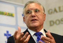 EMPILHANDO CORPOS: Estados e municípios rejeitam 'diretrizes' do Ministério da Saúde sobre quarentena