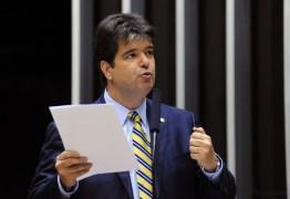 Autor de projeto que acaba com aposentadorias de ex-governadores, Ruy comemora decisão do STF