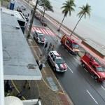 WhatsApp Image 2020 05 29 at 09.43.41 - Polícia e bombeiros bloqueiam trecho de rua na orla de JP para resgatar mulher que ameaçava cometer suicídio - VEJA VÍDEO