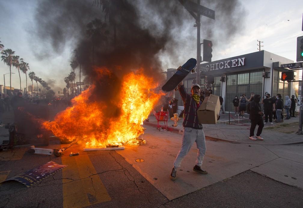 ap20152164554536 - EUA têm 25 cidades sob toque de recolher e 1,6 mil detidos em protestos antirracistas