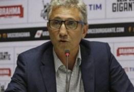 Campello revela testes positivos de covid-19 no Vasco e retorno dos treinos