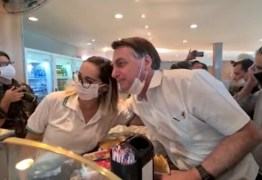 Bolsonaro visita posto de gasolina, é cumprimentado por apoiadores e recomenda uso de máscara; VEJA VÍDEO