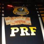 dinheiro 1 - Paraibanos são presos no RN com mais de R$ 1 mil em cédulas falsas de R$ 20