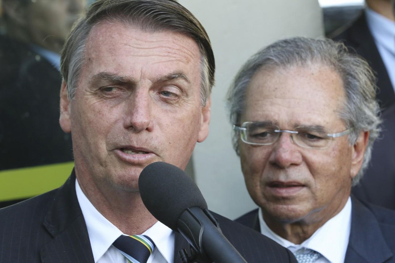 jair bolsonaro e paulo guedes 20191001 001 - Bolsonaro assina MP que altera regras de licitações para período de calamidade da pandemia