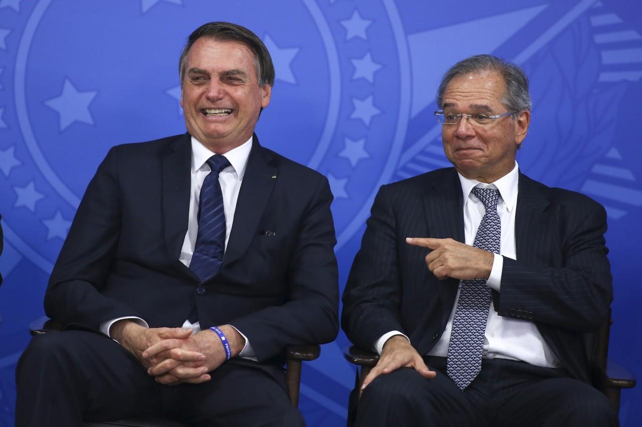 jair.bolsonaro.paulo .guedes.16.jul .2019.sergio.lima  - A pedido de Guedes, Bolsonaro diz que vetará reajuste de salário a servidores públicos