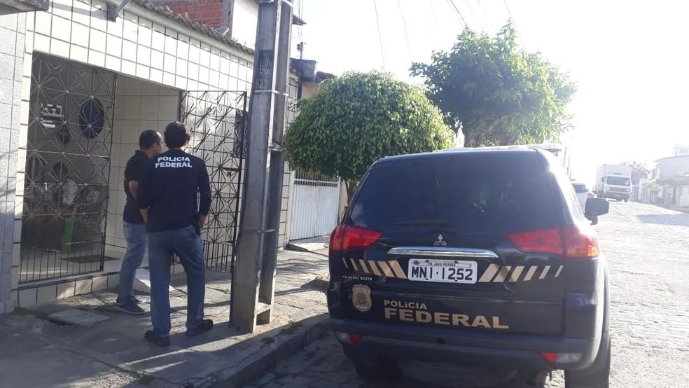 operacao pf - OPERAÇÃO SIMBIOSE: MPF investiga servidor público por fraudes no Bolsa Família em Campina Grande
