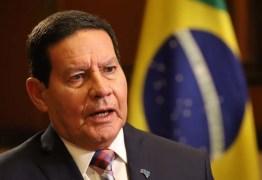 'Sou contra covardia; agredir quem está fazendo seu trabalho', diz Mourão