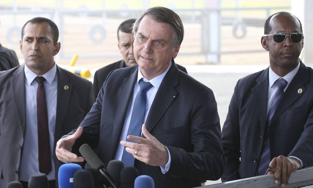 x84379202 O presidente Jair Bolsonaro fala a imprensa no Palacio da Alvorada. Foto Antonio CruzAgen.jpg.pagespeed.ic .vnCbhstfa  - Bolsonaro fala para apoiadores não ouvirem a imprensa e diz que mídia 'só quer o caos no Brasil'