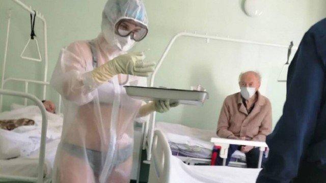 xblog tula.jpg.pagespeed.ic .C4S 28BgA1 - Enfermeira vira sensação na web após exibir lingerie sob proteção anticoronavírus