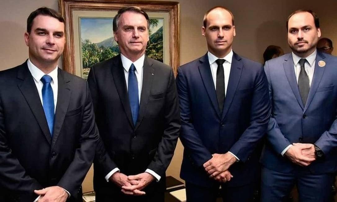 xbolsonaro e filhos.jpg.pagespeed.ic .NgJbrUSE0F - Ou os Bolsonaro passarão ou o Brasil faz, sim, por merecê-los - por Ricardo Noblat