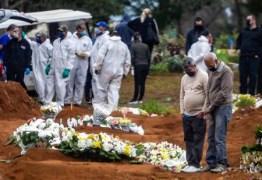 Brasil é único país do mundo com média diária de mais de mil mortes por Covid-19
