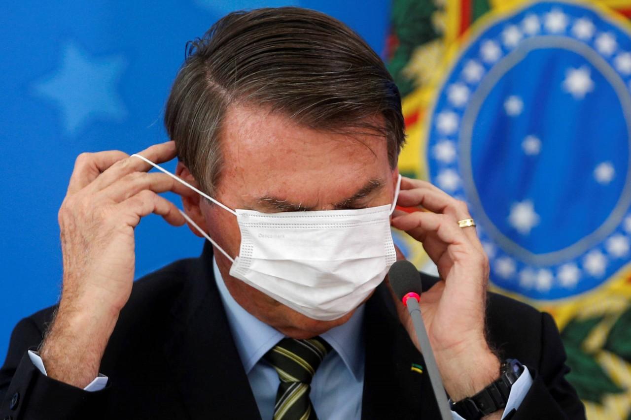 15845630825e72838af26ea 1584563082 3x2 rt - Falas de Bolsonaro contra quarentena podem ter matado mais seus eleitores, mostra estudo