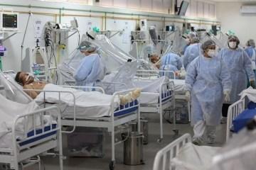 20052020 ala voltada para pacientes com coronavirus em unidade de terapia intensiva uti no hospital gilberto novaes em manaus am 1590951663488 v2 900x506 - Covid-19 cresce cerca de 5 vezes em um mês e Brasil chega a 29.937 mortes