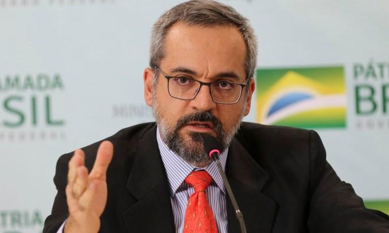 AbrahamWeintraub - Exoneração do ministro da Educação de Bolsonaro será alívio para o país