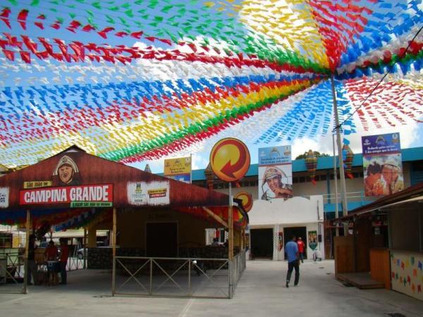 PP 1 - MAIOR SÃO JOÃO DO MUNDO: Após queixa de comerciantes, organizadora do evento confirma que festa será adiada e não cancelada