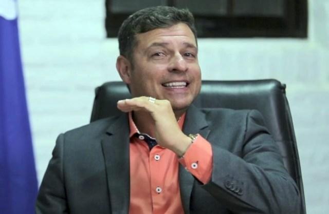 Vitor Hugo 696x453 696x453 1 - NOTÍCIA CRIME: candidato a prefeito aciona Vitor Hugo por suposta compra de votos em Lucena; OUÇA ÁUDIO