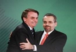 Bolsonaro deve gravar vídeo com Weintraub para oficializar demissão