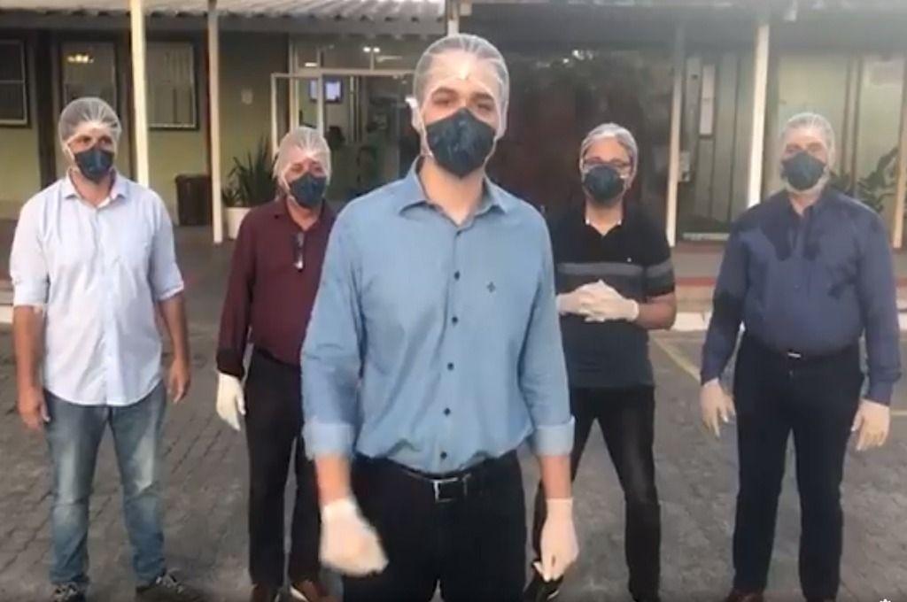 b2ap3 large deputados visitadorosilva reproducaoface - Deputados invadem hospital no Espírito Santo após pronunciamento de Bolsonaro