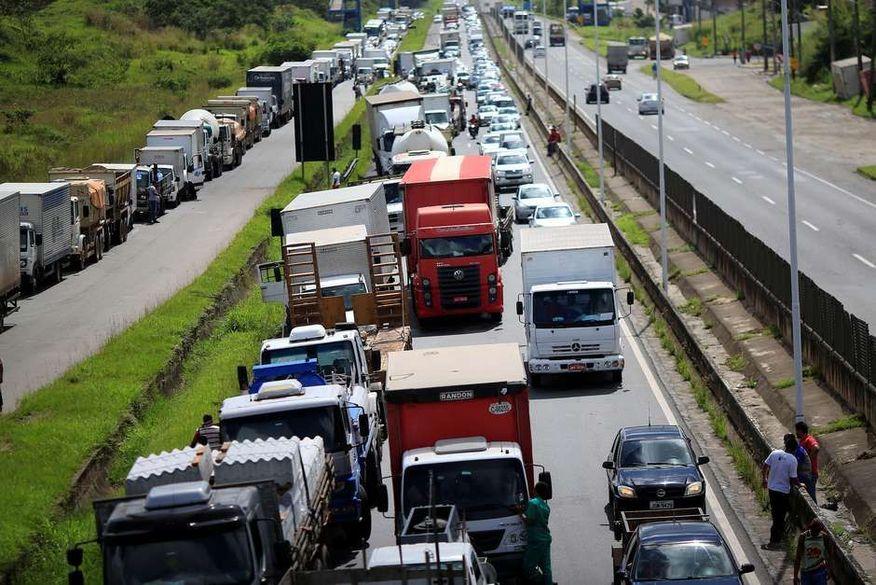 caminhoneiros - Líder da greve dos caminhoneiros na PB diz que paralisação está programada para o dia 1º de fevereiro