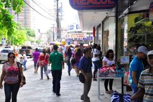 centro de joao pessoa comercio 300x200 - DIA DO COMERCIÁRIO: Confira o que abre e o que fecha em João Pessoa nesta segunda-feira (21)