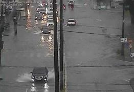 Chove 44 milímetros em 12h e João Pessoa registra pontos de alagamento