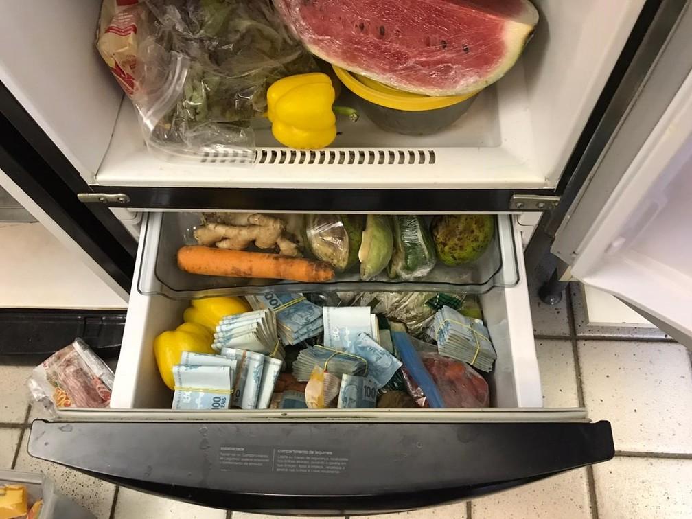 dinheuiro geladeira - R$ 100 MIL: PF apreende dinheiro em geladeira e freezer em operação contra tráfico internacional