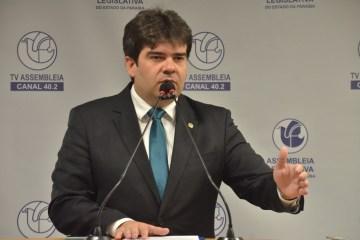 Eduardo convida especialistas para debater situação da pandemia na Paraíba