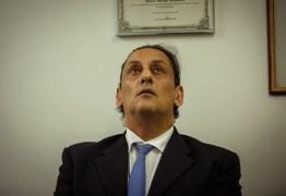 'POTENCIAL HOMEM-BOMBA': Planalto teme reação de Wassef e 'pisa em ovos' com advogado