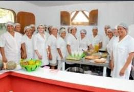 PL de Jeová homenageia profissionais responsáveis pela preparação da merenda escolar