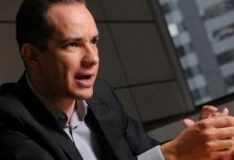 Economista-chefe do Bradesco acredita que dólar alto poderá ajudar retomada econômica no Brasil
