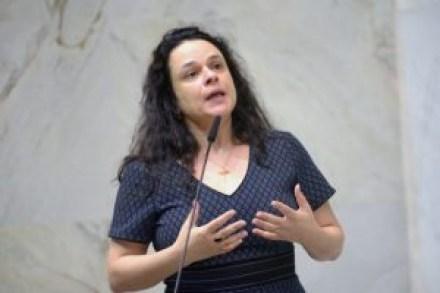 """janainapaschoalalesp e1574816152954 300x200 - """"Foi para isso que derrubamos Dilma?"""", desabafa Janaína Paschoal sobre governo Bolsonaro"""