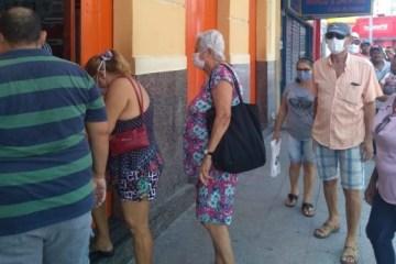 """mascara 750x375 1 - Secretário lamenta queda no índice de isolamento na Paraíba: """"Dessa forma, não vai haver flexibilização"""""""